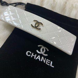 New!!! Chanel white barrette hair clip